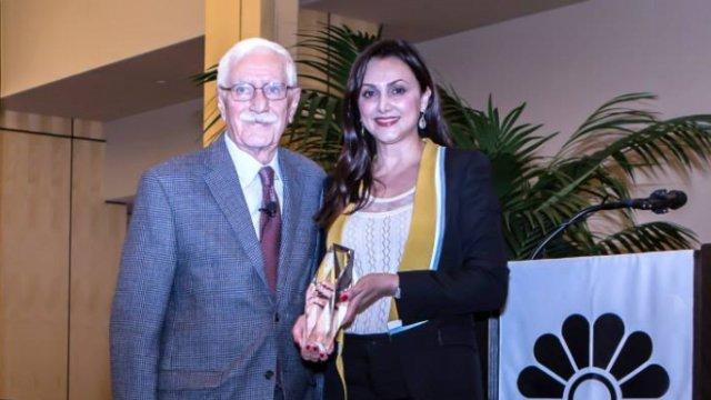 هفتمین جایزه بیتا در دانشگاه استنفورد به ایرج پزشکزاد تعلق گرفت